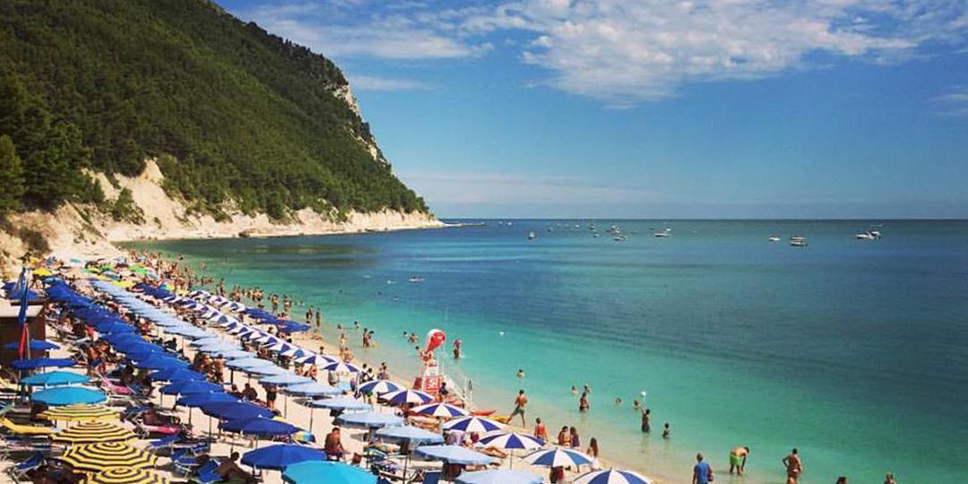 Sirolo spiaggia san michele blog viaggi riviera del conero